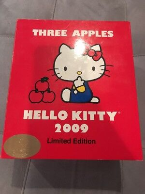 Rare 2009 Hello kitty Limited Edition Three Apples Toy Collection