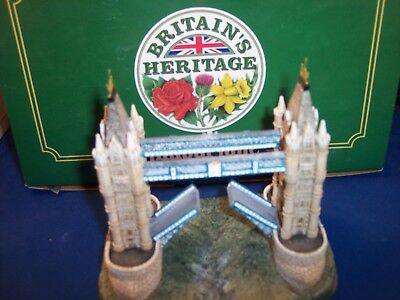 Lilliput Lane Heritage Collection - TOWER BRIDGE w/ Box & Foam molded Packaging