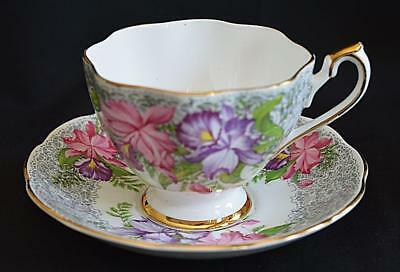 "Pretty Vintage Queen Anne Fine Bone China Tea Cup & Saucer ""Nottingham Lace"""