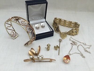 Lovely Collection of Vintage And Antique Jewellery, Silver & Gold Plated.