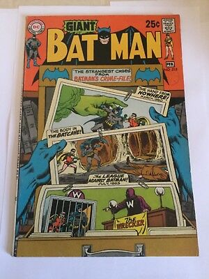 Batman # 218 - Giant - Fine / Very Fine