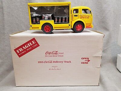 1955 Coca Cola Delivery Truck 1:24 Diecast Metal Danbury Mint