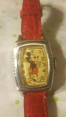 Vintage 1930's DISNEY Mickey Mouse INGERSOLL USA Watch