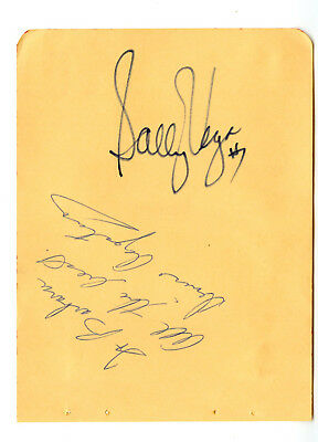 SALLY VEGA ROLLER DERBY L.A. Thunderbirds Signed Autographed 1970's Paper Cut