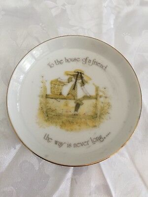 "Holly Bobbie Pin Dish 1974 ""To the house of a friend the way is never long"""