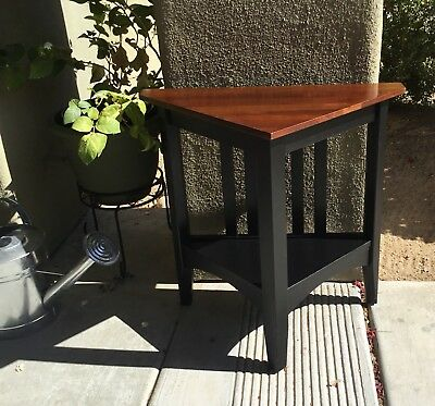 Ethan Allen Triangle Table, Solid Cherry, American Impressions, Guc!