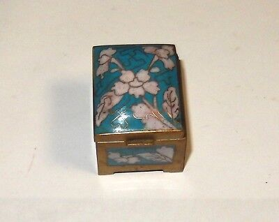 Small Chinese Cloisonne Enamel Turquoise White Floral Stamp Jar Box