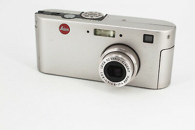 Leica D-Lux 1  (first version) with his original box