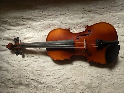 """4/4 violin with case. """"Arioso"""" model from Simply for Strings."""