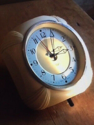 Smiths Sectric Bakelite Wall Clock - Art Deco ivory