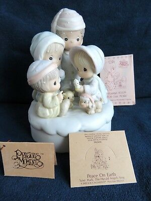"""Precious Moments """"Peace On Earth"""" Musical Figurine plays Hark, the Herald Angels"""