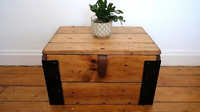 ANTIQUE WOODEN CHEST, Old Wooden Blanket TRUNK, Coffee TABLE Vintage Storage BOX
