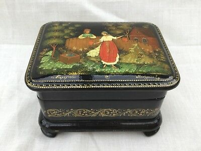 Authentic Russian Hand Painted Laquer Trinket Box. With Certificate.