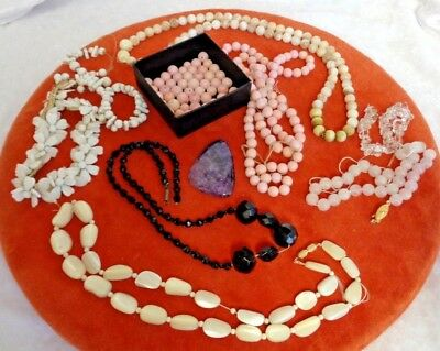 LOVELY VINTAGE COLLECTION / JOB LOT OF ART DECO & c.1940-60 NECKLACE / BEADS ETC
