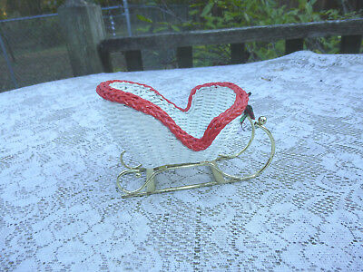 1Vintage Wicker Christmas Sleigh with Goldtone Metal Runners White with Red Trim