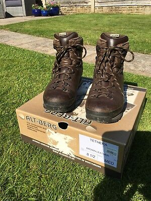 a1fb1928f6c ALTBERG, ALT-BERG TETHERA Walking Hiking Mountain Boots Mens Size ...