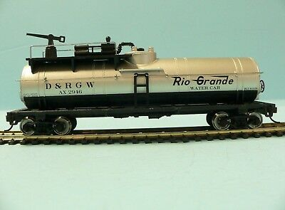 HO Scale Model Railroad Trains Layout Walthers Fire Fighting Tanker Rio Grande