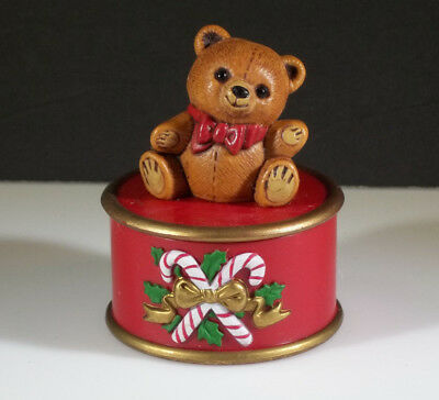 Hallmark Merry Miniatures Christmas 1982 Teddy Bear container Trinket Box cute!