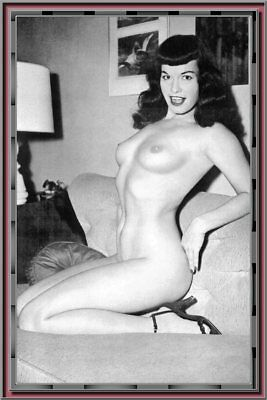 293 Beautiful Betty Page Photos & Art On Cd - Public Domain -  24-Az