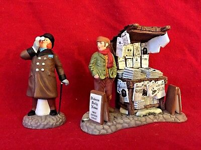 London Newspaper Stand Dept 56 Dickens Village Accessory 58560 Christmas city A