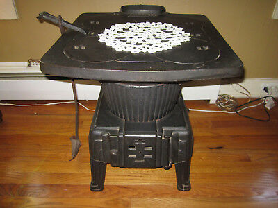 WOW!!!! LOWER PRICE!!!! Antique Montgomery Ward Cast Iron Stove, 36-4 Anchor.