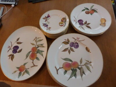Royal Worcester Evesham - Selection Of Plates - Choose From Drop Down Menu