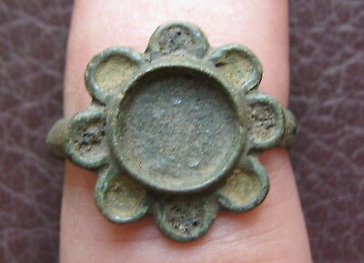 Ancient Artifact > Medieval Bronze Finger Ring SZ: 5 1/4 US 16 mm L23