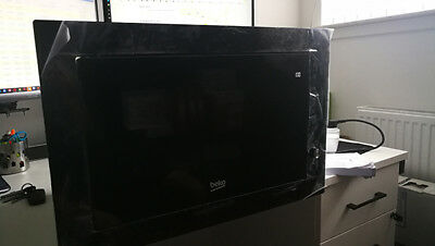 BEKO MGB25333BG Built-In Stainless steel Microwave + Grill 25L,900W NEW/DAMAGED!