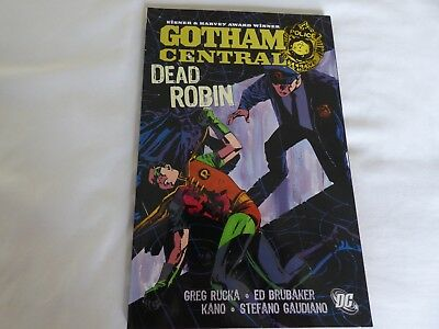DC  Comic Gotham Central Dead Robin