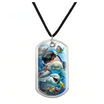 """Wolf Pack Selfie Family Wolves 0.75/"""" Pendant with Sterling Silver Plated Chain"""