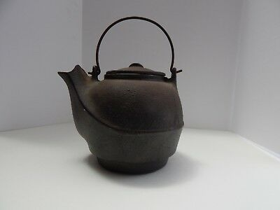 Antique Cast-Iron-Tea-Kettle-Vintage-Teapot-w-Bird-Spout