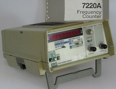 FLUKE 7220A Frequency Counter 10Hz - 1,3 GHz  2Ch. +Manual