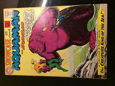 SHOWCASE #32 (DC) 3rd AQUAMAN & Aqualad!  Cardy c/a. Movie KEY Fine+ (6.5) 1961!