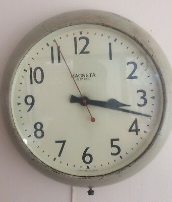 A Brilliant Magneta Electric Mains Wall Clock ++Working Order++