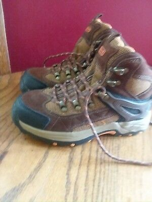 Coleman Kids Youth SIZE 2 Hiking Boot new never worn