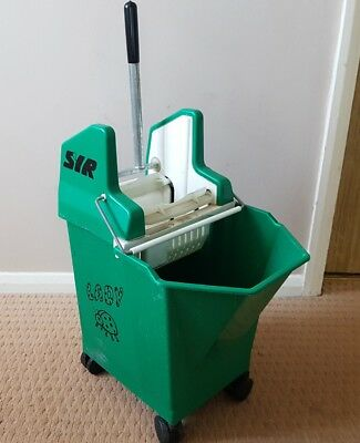 Syr Kentucky Mop Bucket With Wringer 15L With 30Ml Portion Control Collection