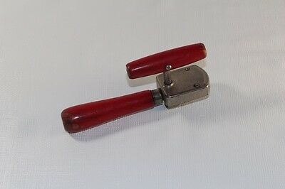 Edlund Junior Red Wood Handle Can Opener No 5  Vintage Patent 1925/1929 USA