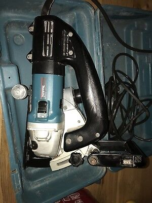 MAKITA WALL CHASER SG1250 125mm 240v SUPER JOINT SYSTEM Used Great Condition