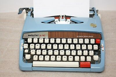 Vintage Webster Blue Portable Mechanical Typewriter Model XL-747