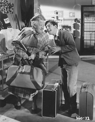 """Norman Wisdom / Margaret Rutherford [Trouble In Store] 10""""x8"""" Photo 65206"""