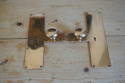 A PAIR OF ANTIQUE / VINTAGE BRASS DOOR HANDLE / KNOB ON BACKPLATES 30cm H
