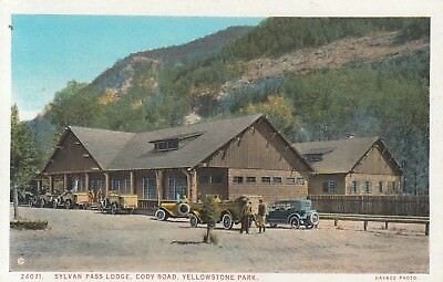 YELLOWSTONE NATIONAL PARK Sylvan Pass Lodge Cody Road Vintage Car Scene HAYNES