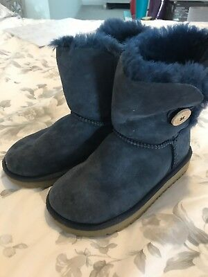fbe2a20b4ff GIRLS GENUINE UGG Boots Cordene Brown Ribbon Back Size 10 UK ...