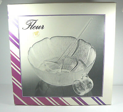 Arcoroc Fleur Punch Set Clear Glass 18-Piece 1 Bowl, 8 Cups & Hooks, 1 Ladle Iob