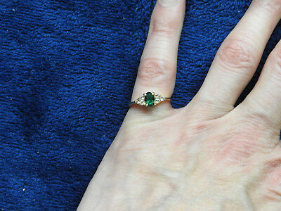 Green And Clear Stone Gold Tone Ring Size 4
