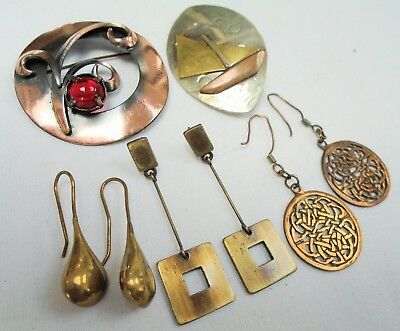Two large vintage Arts & Crafts gold metal brooches + 3 pairs earrings