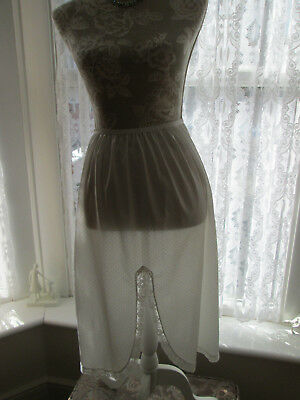 Vintage St. Michael white with spots nylon and lace half slip. 16-18