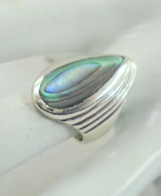 Good quality large vintage sterling silver & abalone shell ring