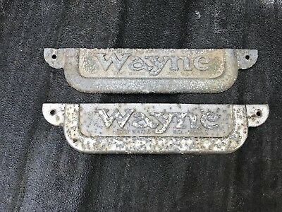Original Vintage Wayne 70 Gas Pump Wayne Emblems Badges Look