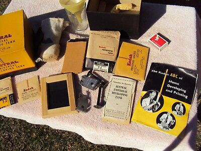 """KODAK """"AUSTRAL""""  VINTAGE DEVELOPING KIT WITH CONTENTS & INSTRUCTIONS 1950s?"""